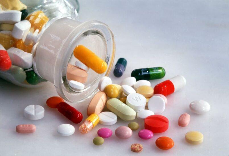 Какие недорогие и эффективные таблетки можно пить от молочницы?