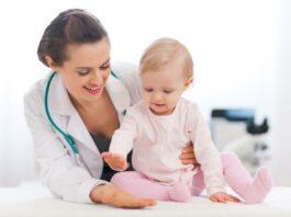 врач с ребенком
