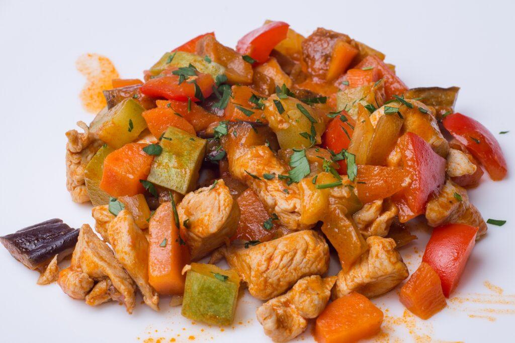 как приготовить соевый гуляш с овощами